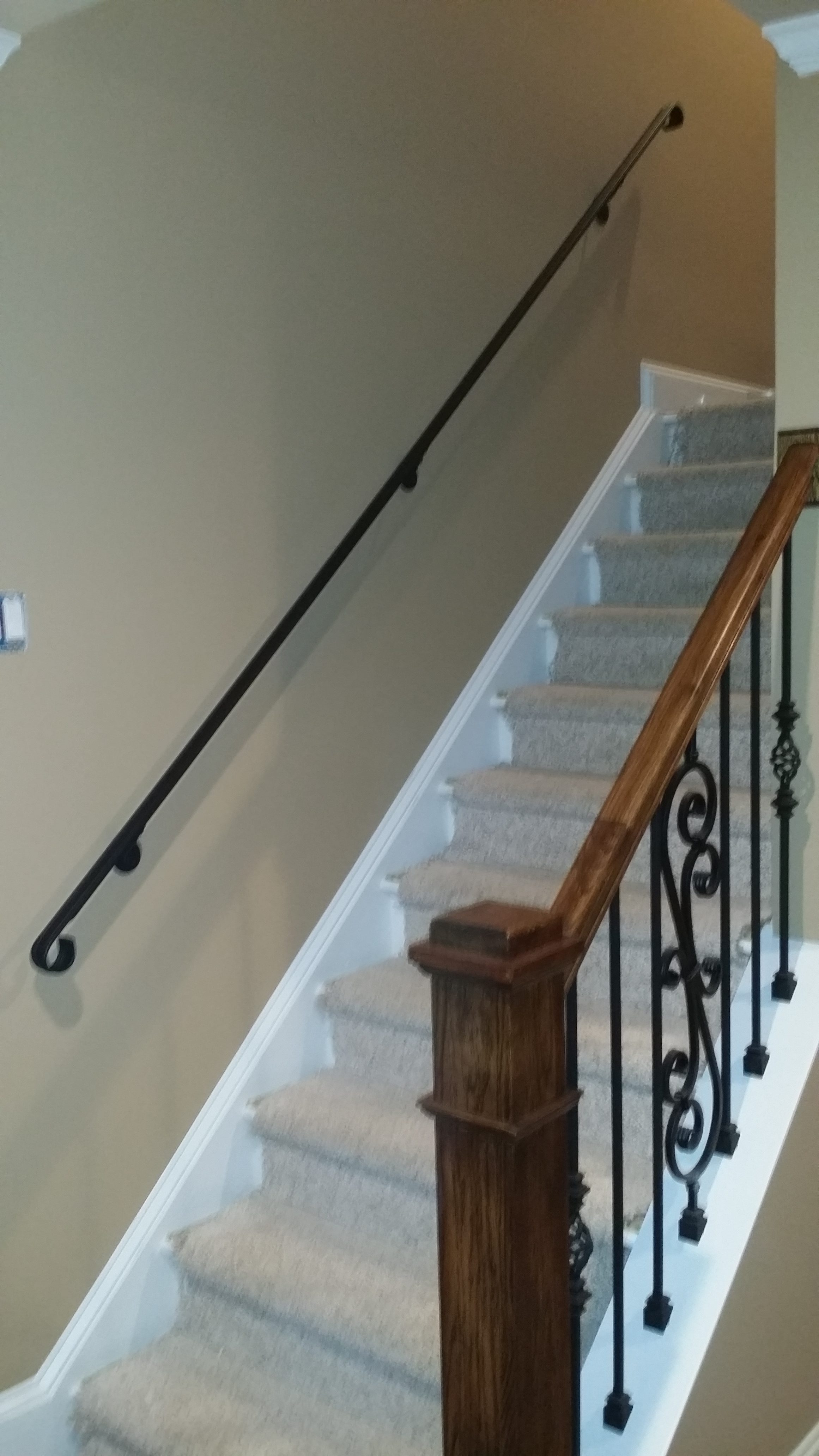 Gentil ... Wall Railing Staircase ...