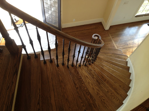 Curve hardwood Staircase